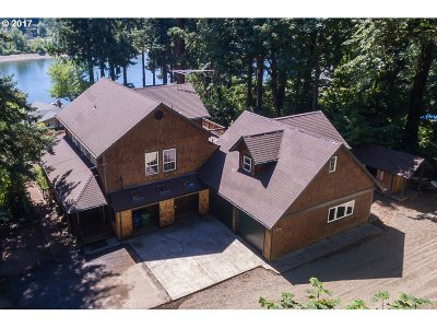 Milwaukie Single Family Home For Sale: 18350 SE Willamette Dr