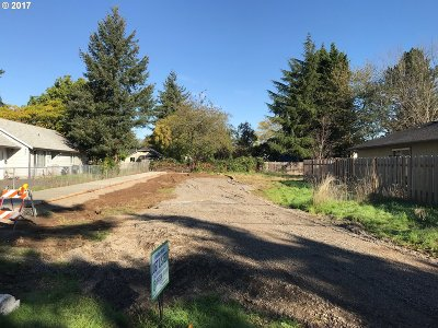Residential Lots & Land For Sale: SE Henderson