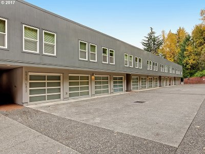 Portland Condo/Townhouse For Sale: 5413 SW View Point Ter
