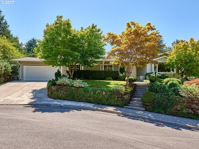 Lake Oswego Single Family Home For Sale: 1575 Ivy Ct