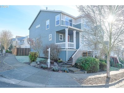 Portland Single Family Home For Sale: 212 SW Valeria View Dr