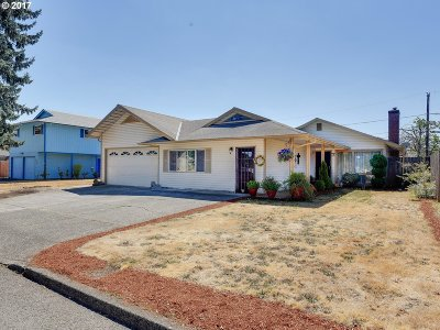 Single Family Home For Sale: 15716 SE Millmain Dr