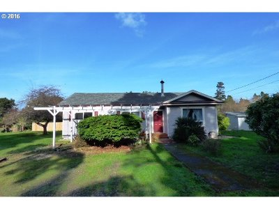 Bandon Single Family Home For Sale: 87863 Astor Ln