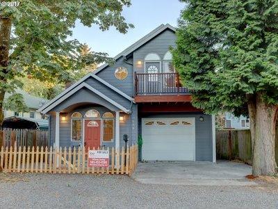 Single Family Home For Sale: 7638 SE Evergreen St