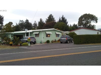 Brookings OR Single Family Home For Sale: $155,000