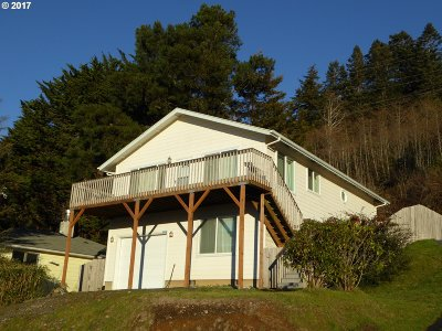 Gold Beach OR Single Family Home For Sale: $269,000