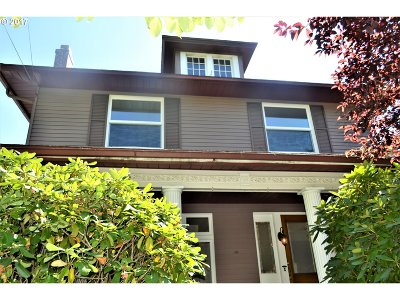 Single Family Home For Sale: 3236 NE Glisan St