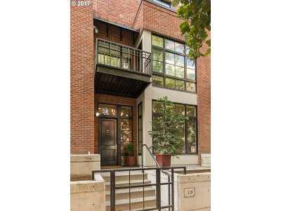 Multnomah County Condo/Townhouse For Sale: 1128 NW Johnson St