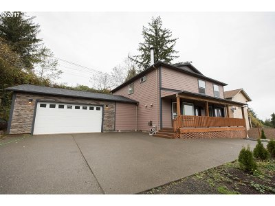 Coos Bay Single Family Home For Sale: 735 14th Ct