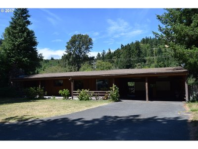 Gold Beach Single Family Home For Sale: 97025 Bluebird Ln