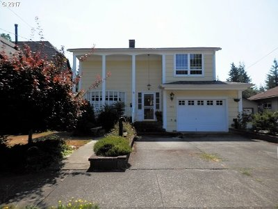 Coquille OR Single Family Home For Sale: $284,000