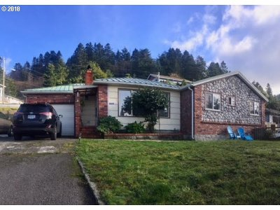Gold Beach OR Single Family Home For Sale: $228,000