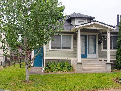 Single Family Home For Sale: 4905 SE Sherman St