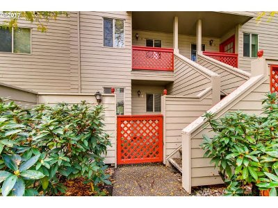 Portland Condo/Townhouse For Sale: 2805 NW Upshur St #C