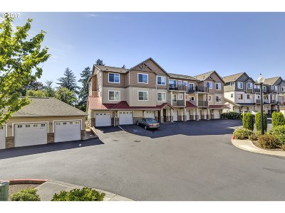 Portland Condo/Townhouse For Sale: 565 NW Lost Springs Ter #303
