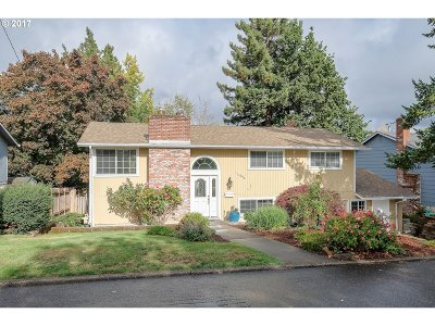 Beaverton Single Family Home For Sale: 13695 SW Park Way