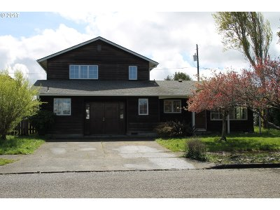 Coos Bay Single Family Home For Sale: 955 Montgomery