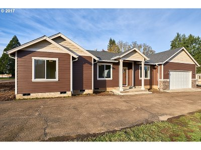 McMinnville Single Family Home For Sale: 8805 SE Morgan Ln