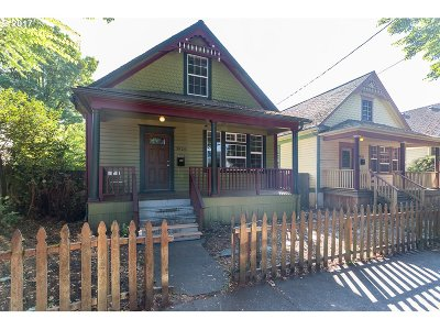 Single Family Home For Sale: 3922 N Michigan Ave