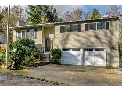 West Linn Single Family Home For Sale: 6818 Marquette Dr