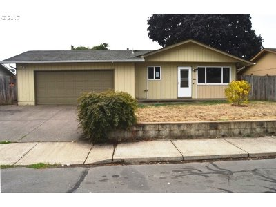 Clackamas County, Columbia County, Jefferson County, Linn County, Marion County, Multnomah County, Polk County, Washington County, Yamhill County Single Family Home For Sale: 4734 Abiqua Ct SE