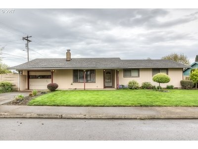 Single Family Home Sold: 595 Lincoln St
