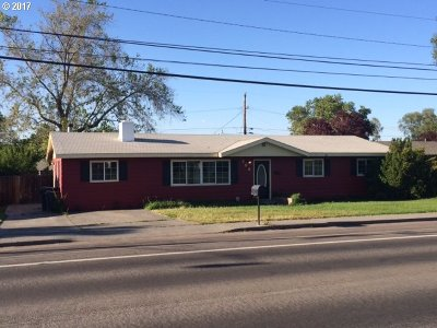 Hermiston Single Family Home For Sale: 806 W Highland Ave