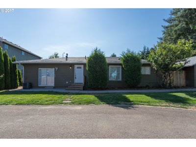 Oregon City Single Family Home For Sale: 19549 Hummingbird Loop
