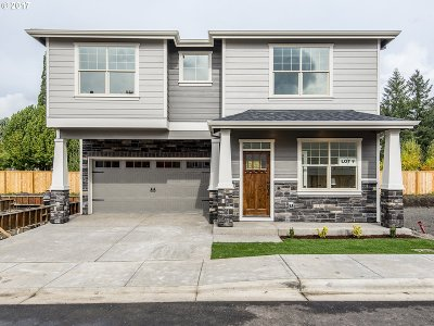 Single Family Home For Sale: 17842 SW Meadowbrook Way