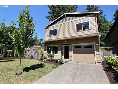 Milwaukie Single Family Home For Sale: 15500 SE Hugh Ave