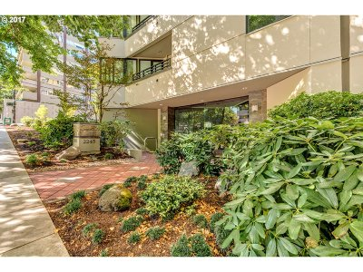 Portland Condo/Townhouse For Sale: 2245 SW Park Pl #6C