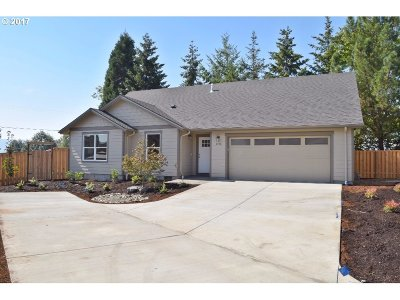 Lebanon Single Family Home Sold: 2476 Robbins Way