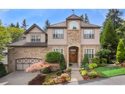 West Linn Single Family Home For Sale: 2676 Beacon Hill Dr