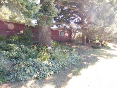 Coos Bay Single Family Home For Sale: 161 S Main