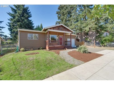 Portland Single Family Home For Sale: 4639 SE 118th Ave