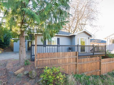 Portland Single Family Home For Sale: 5303 SW 45th Ave