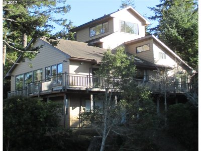 Port Orford Single Family Home For Sale: 1064 Lakeshore Dr