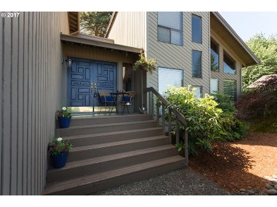 West Linn Single Family Home For Sale: 2336 Athena Rd