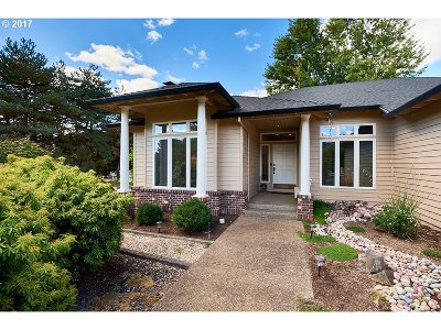 Newberg, Dundee Single Family Home For Sale: 9675 NE Meadow Loop