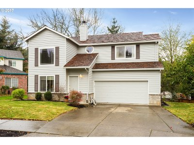Clackamas Single Family Home For Sale: 14077 SE Summers Ct