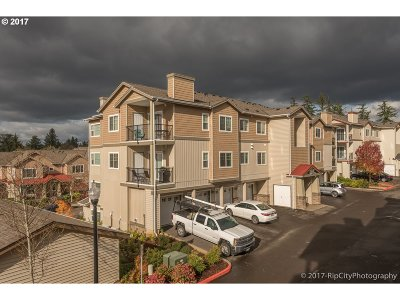 Portland Condo/Townhouse For Sale: 600 NW Lost Springs Ter #301