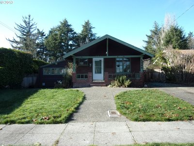 North Bend Single Family Home For Sale: 2580 Liberty St