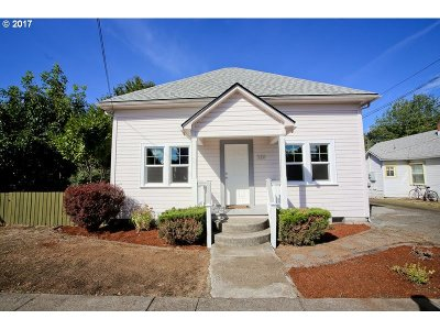 Cottage Grove, Creswell Single Family Home For Sale: 320 E Madison Ave