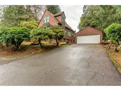 Portland Single Family Home For Sale: 5225 SW 49th Dr