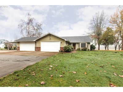 Springfield Single Family Home For Sale: 38655 McKenzie Hwy