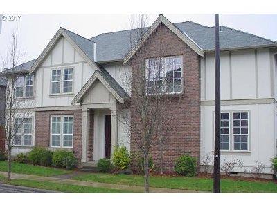 Portland Single Family Home For Sale: 12718 NW Bayonne Ln