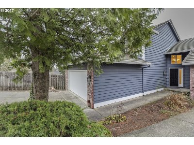 West Linn Single Family Home For Sale: 2046 Sunray Cir