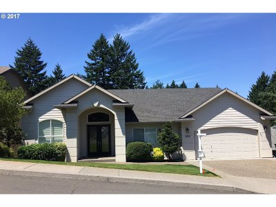 Tigard Single Family Home For Sale: 13133 SW Essex Dr