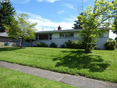 Skamania County, Clark County Single Family Home For Sale: 6415 NW Firwood Dr