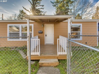 Portland Single Family Home For Sale: 6825 SE 47th Ave